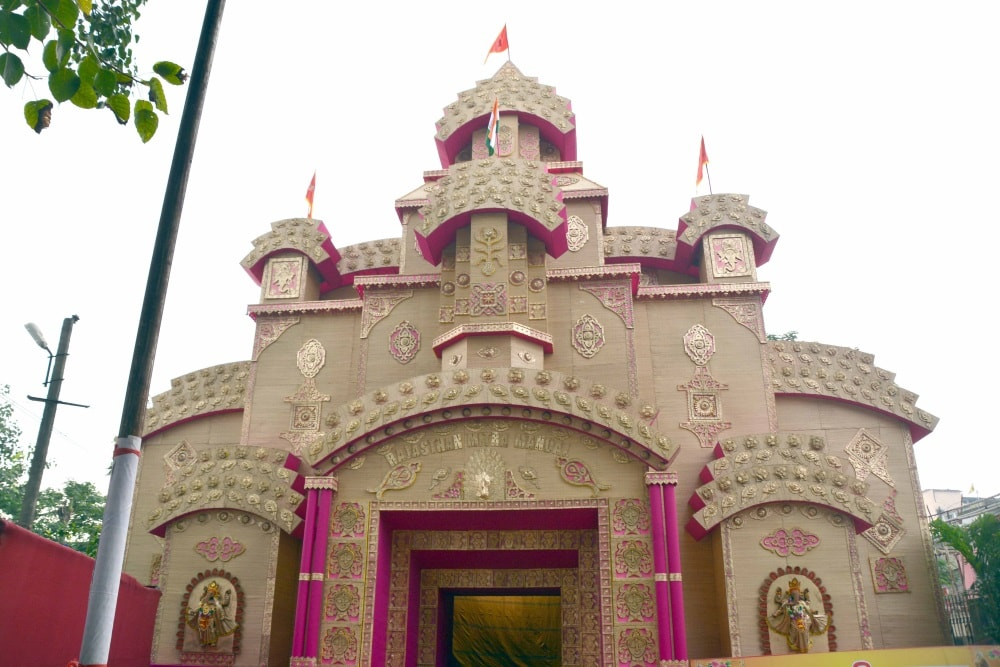 <p>A view of under construction Durga Puja pandal of Rajasthan Mitra Mandal near Bada Talab in Ranchi on Monday.</p>
