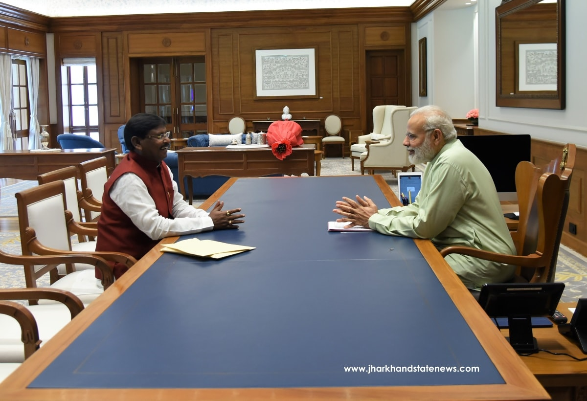 <p>One on one check-in meeting between Prime Minister narendra Modi and BJP leader and ex CM Arjun Munda inside the PM&#39;s residence in New Delhi on Monday.</p>