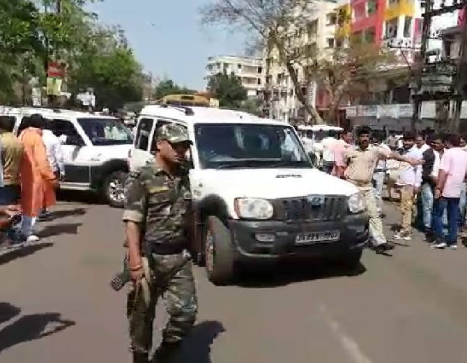 <p>Sanjiv Singh,the ruling BJP&#39;s Jharia MLA cum accused in the case of murder of ex deputy mayor Neeraj Singh, surrendered before the police at its Saraidhela police station in&#8230;