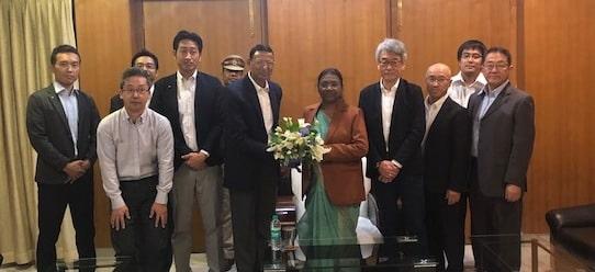 <p>माननीया राज्यपाल द्रौपदी मुर्मू से Japanese company द्वारा संचालित Kyocera CTC Pvt. Ltd, जमशेदपुर में आये हुए जापान के तकनीकी विशेषज्ञों ने मुलाकात की।&nbsp;</p>