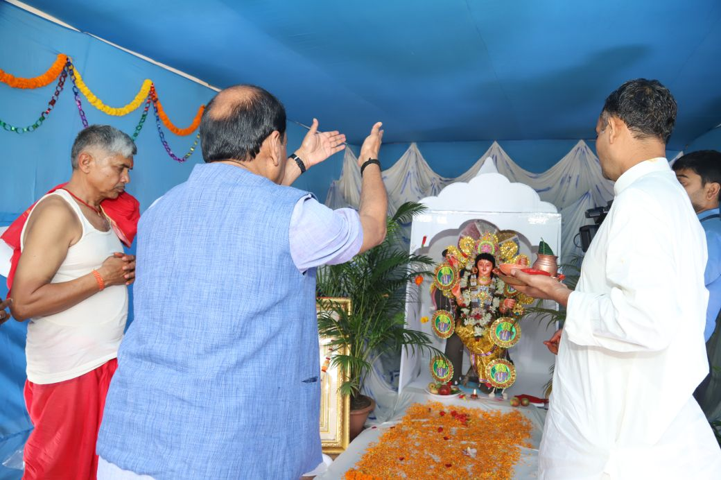 <p>Chief Minister Raghubar Das said that the best wishes for the Prime Minister of India Narendra Modi dedicated to the creation of a new India like Lord Vishwakarma, on behalf of&#8230;