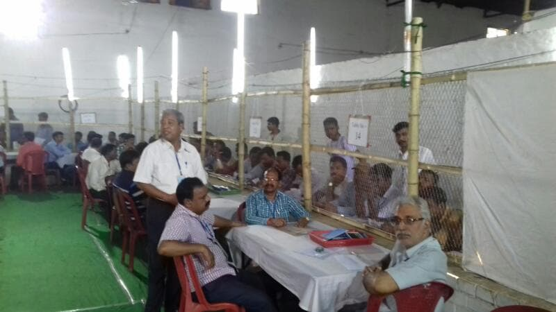 <p>Littipara Assembly By Poll results in the initial phase show that JMM candidate was behind the BJP candidate.</p>