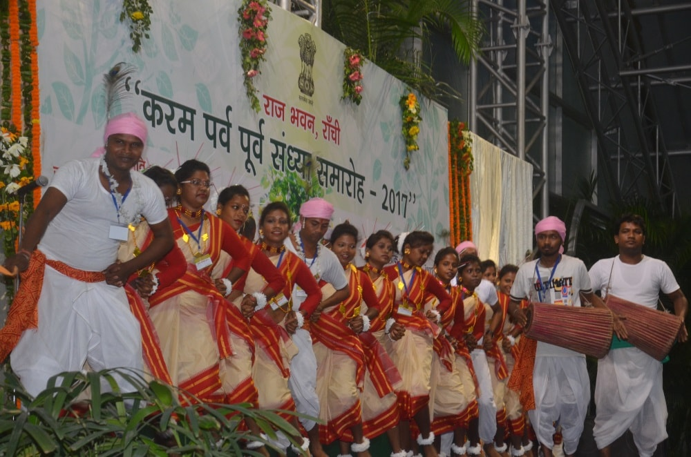 <p>In view of the forth coming Karam festival, a colourfull 'Karam Parv Pooarv Sandhya Samaroh' was held at Rajbhawan in Ranchi today.On the occasion, apart from Governor…