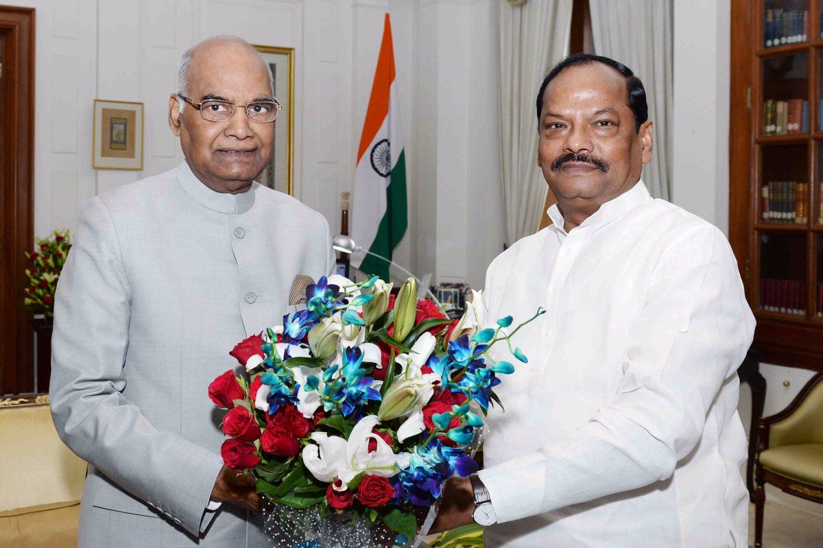 <p>Jharkhand Chief Minister Raghubar Das met with the President Ramnath Kovind at Rashtrapati Bhawan yesterday.</p>
