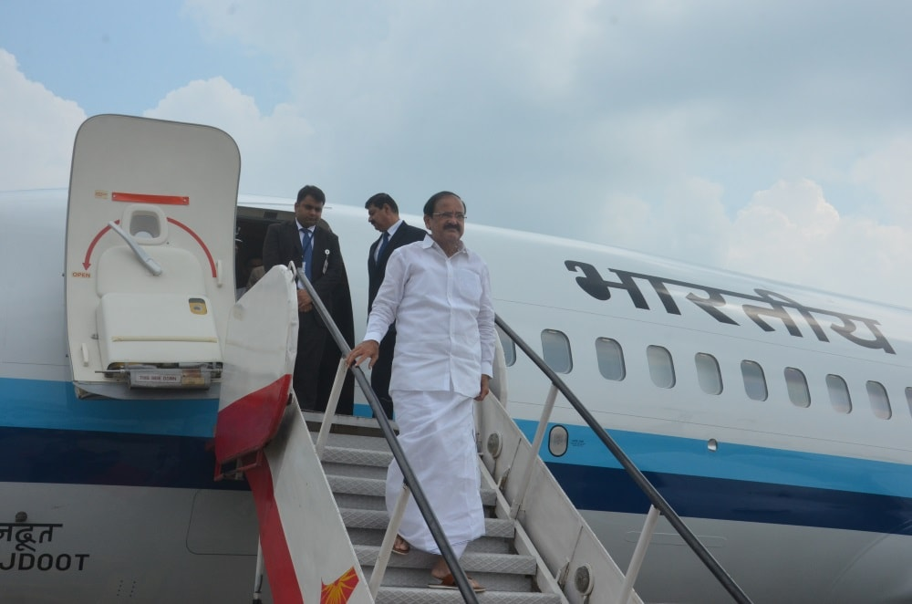 <p>Vice President of India M Venkaiah Naidu alighting from a special Indian Air Force plane after arriving&nbsp;at Birsa Munda airport Hinoo in Ranchi on Friday.</p>