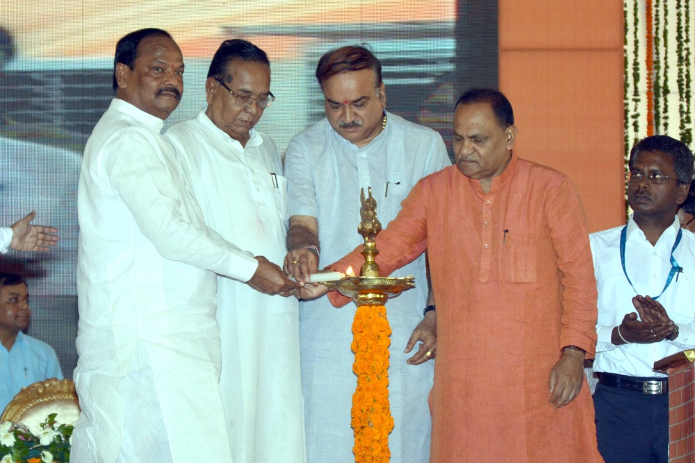 <p>Union Minister of Chemical and Fertilizers,Ananth Kumar,with Chief Minister,of Jharkhand State,Raghubar Das during inauguration&nbsp;of Central Institute of Plastics Engineering&#8230;