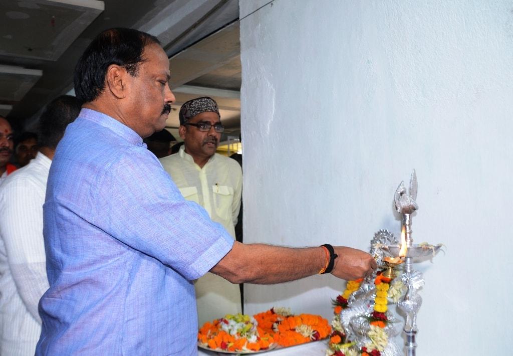 <p>मुख्यमंत्री श्री रघुवर दास ने निवारणपुर स्थित प्रज्ञा प्रवाह के लोकमंथन 2018 कार्यालय के उदघाटन के बाद उपस्थित बुद्धिजीवियों को संबोधित करते हुए कहा कि भारत को फिर से विश्वगुरु&#8230;