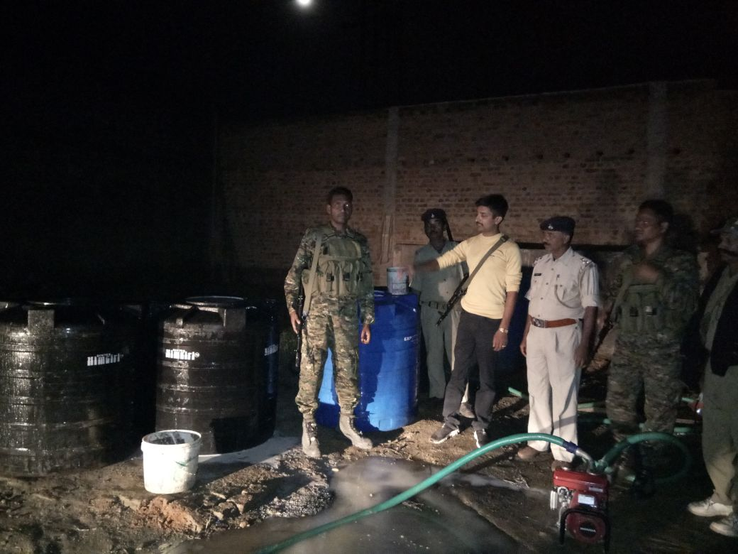 <p>In a major success, the Ormanjhi police busted a spurious milk racket in Ormanjhi.In a midnight operation, the police raided a hideout where spurious milk was being manufactured.&#8230;