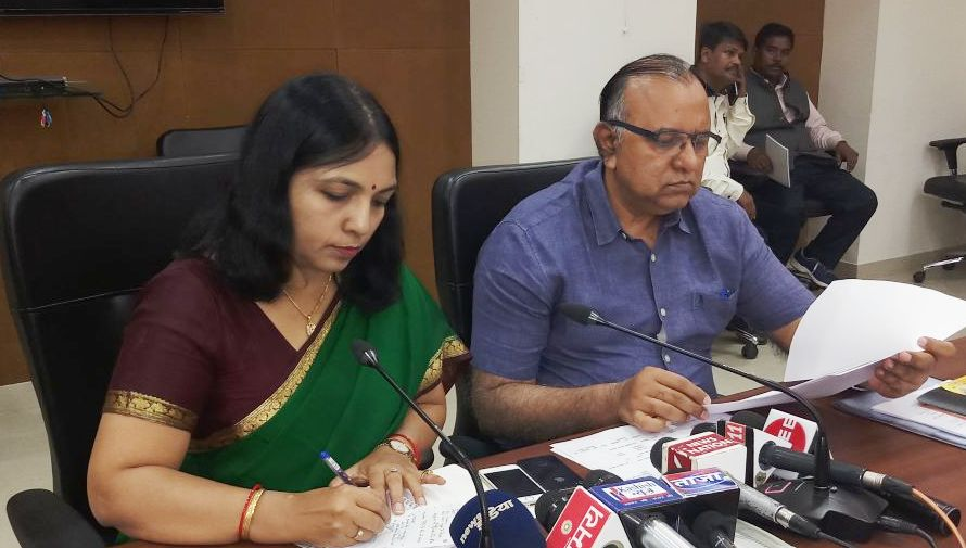<p>Principal Secretary of Home Affairs and Disaster Management Department, Shri S. K. G. Rahte and spokesman of the JharkhandGovernment, Prof. Karmashiram Administrative Reforms and&#8230;