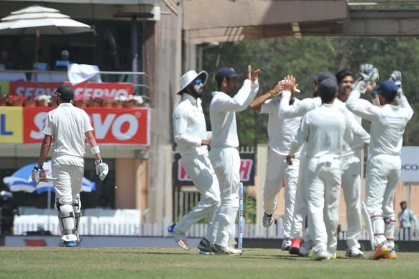 <p>Indian players celebrate the wicket of Australia&#39;s M Rensgaw during the first day of the five day long third Test match at JSCA stadium in Ranchi.</p>