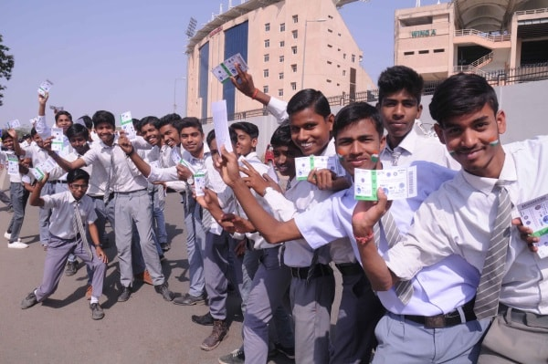 <p>School students showing their tickets outside JSCA stadium during India Vs Australia's 2nd day of third test match  in Ranchi on Friday. </p>
