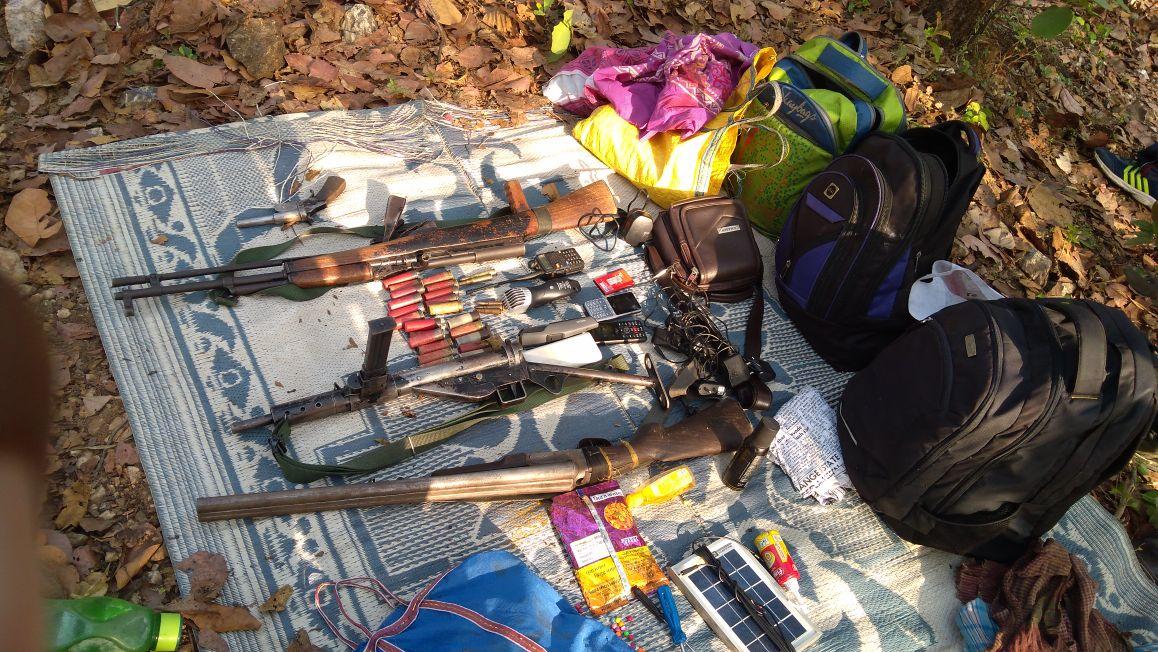 <p>सिमडेगा:&nbsp; पुलिस- PLFI&nbsp; उग्रवादियों में मूठभेड़,एक उग्रवादी मारा गया,दो गिरफ्तार,बांसजोर ओपी के सागजोर जंगल में हुई मुठभेड़,पांच रायफल और बन्दूक जप्त, सर्च ओप्रेसन जारी |</p>&#8230;