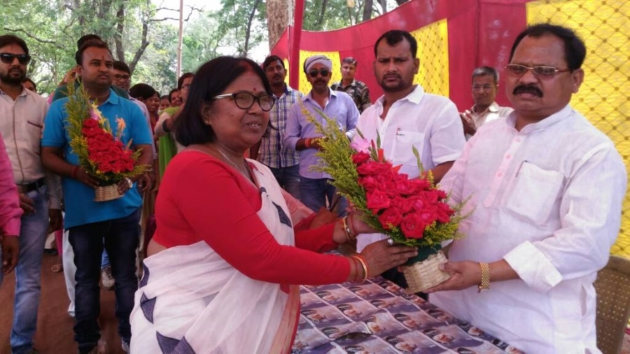 <p>BJP MP Laxman Gilwa inaugurated 200 bed hostel for Adivasis inside Women&#39; s College in Chaibasa</p>