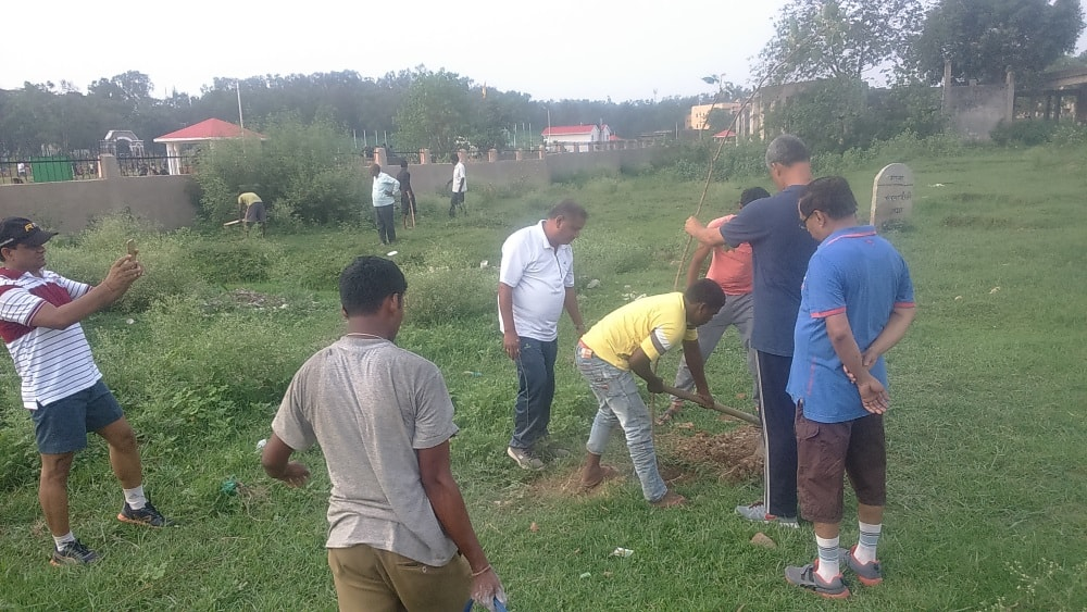 <p>Morning walkers led by Santosh Kumar Satapathy,Principal Secretary to Governor,Jharkhand planted a dozen saplings of Peepal behind Oxygen Park in Ranchi</p>