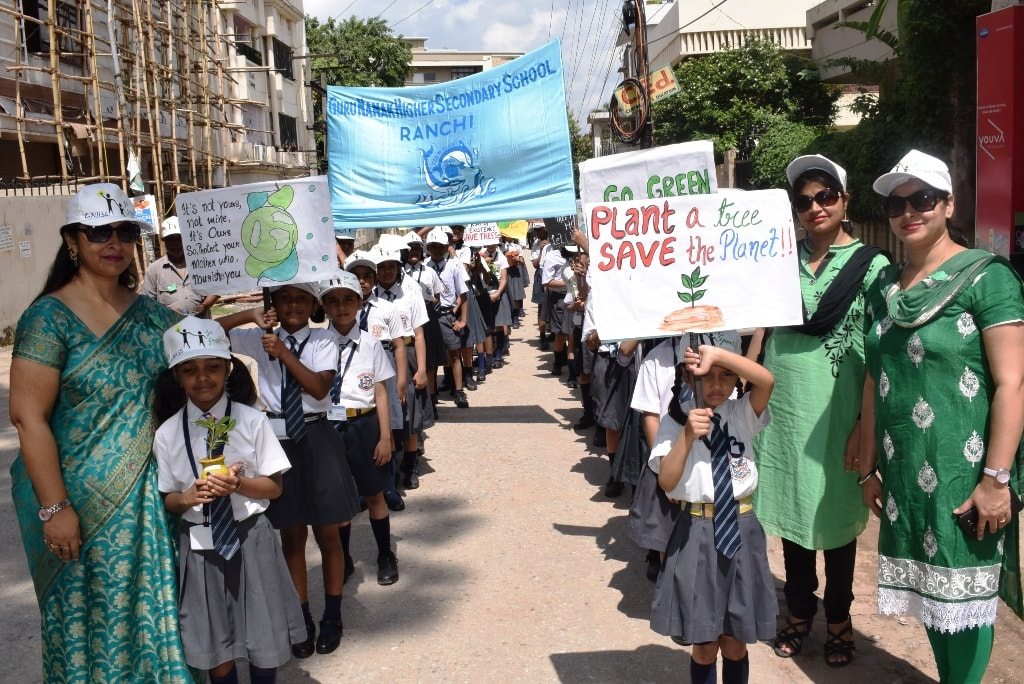 <p>Students of Guru Nanak Higher Secondary School, Ranchi today took out an Environmentalawareness rally.</p>