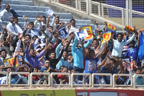 <p>Cricket fans were in cheers as Australian team had lost four wickets with score less than expected by it on the first day of the five day long third Test match with India at JSCA&#8230;