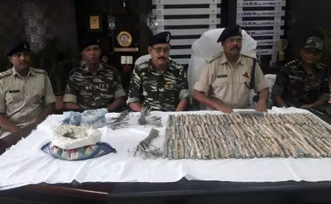 <p>In a joint operation,the Police and CRPF personnel seized a huge quantity of arms and ammunition belonging to CPI(Maoist) in Dingri(Pitigarha) forest area in Khunti.The seized items&nbsp;&#8230;