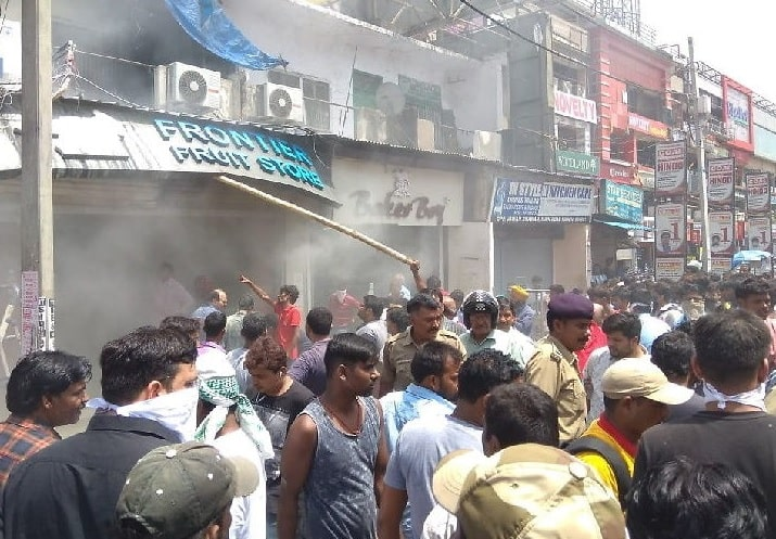 <p>Fire grips Frontier Fruit Store near Rospa Tower in Main Road, Ranchi. It caught fire this afternoon. After police were informed, Fire Brigade reached the site and controlled…