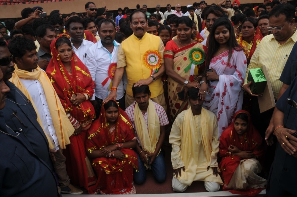 <p>Jharkhand Chief Minister Raghubar Das during a mass marriage organised by Central Sarna Committee at Mega Sports complex Hotwar in Ranchi on Thursday.</p>