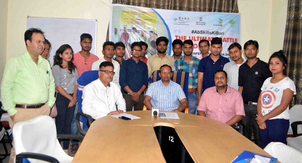 <p>Officials of Jharkhand Skill Development Mission Society (JSDMS) along with selected candidates pose for photographs during a programme at Labour office Doranda in Ranchi on Friday.</p>…