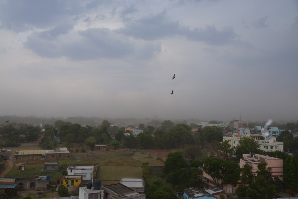 <p>Morning walkers enjoyed looking at the clouds in the sky before the sun rise in Kanke Road,Ranchi.</p>