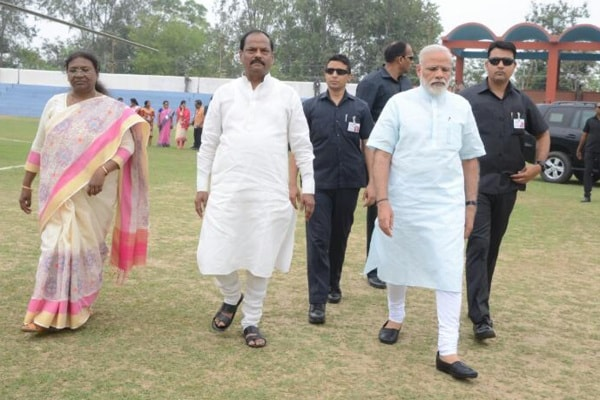 <p>Prime Minister Narendra Modi alongwith Jharkhand Governor Droupadi Murmu and Chief Minister Raghubar Das arrives for laying foundation stone of Sahibganj-Monihari 4-lane bridge&#8230;