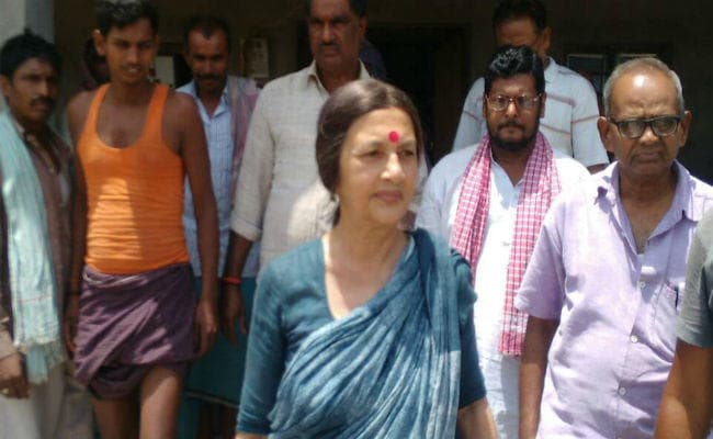 <p>After meeting Jharkhand Vikas Morcha MLA Pradeep Yadav at RIMS jail camp in Ranchi on Thursday,CPI(M) leader Brinda Karat arrived at Godda.Yadav was arrested after he was protesting&#8230;