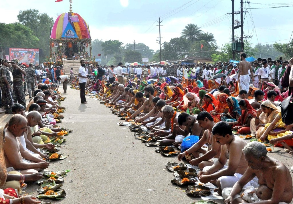 <p>Priests performrituals to Lord Jagannath, Lord Balabhadra and Goddess Subhadra on the occasion of annual Rath Yatra festival at Jagannath temple in Ranchi on Saturday.</p>…