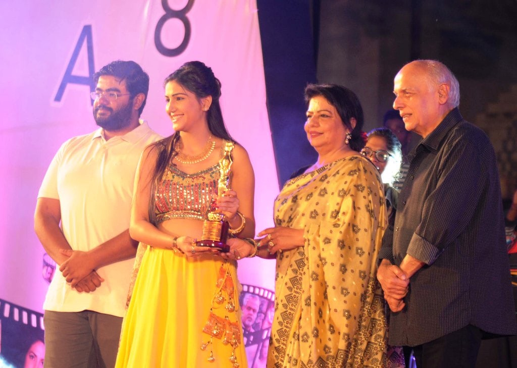 <p>Actress Sapna Choudhary received film festival Award from Mahesh Bhatt during the concluding day ceremony of Jharkhand International Film Festival Award 2018 in Ranchi on Sunday.</p>&#8230;