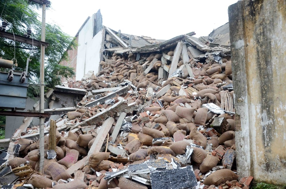 <p>A grains cold storage building collapsed at Boreya under Kanke police station due to heavy rains in Ranchi on Wednesday&nbsp;night.</p>