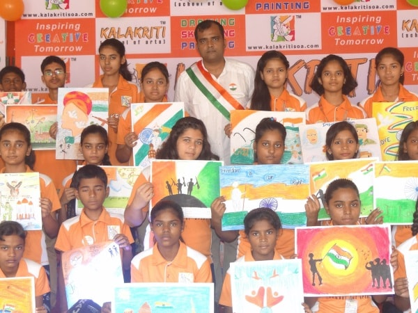 <p>Kids of Kalakriti School of Arts celebrating 70th Independence Day.</p>