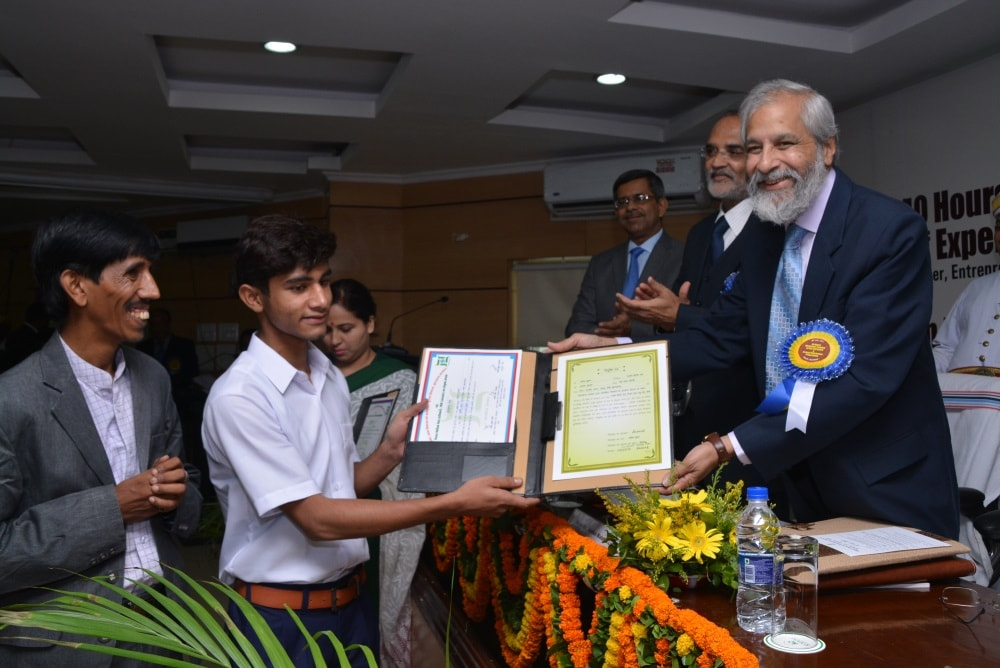 <p>JHALSA organised a meeting headed by Supreme Court Justice Madan B.Lokur.It was attended among others by Acting Chief Justice of Jharkhand High Court Justice DN Patel.</p>