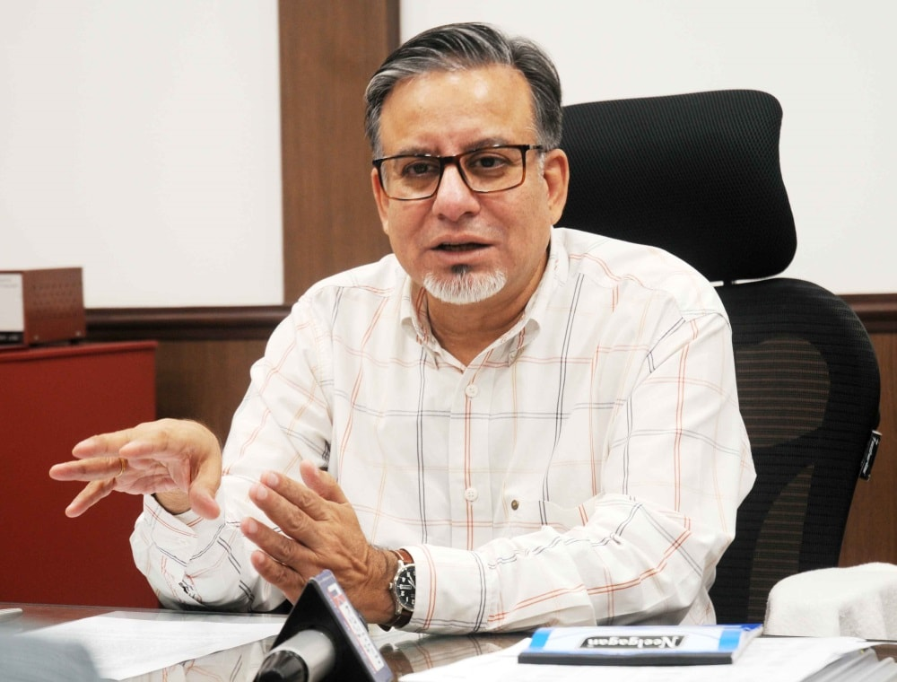 <p>Chief commissioner of Income Tax Jharkhand region Ranchi, Rakesh Suri addresses a press conference in Ranchi on Friday</p>