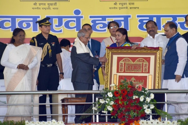 <p>President of India Pranab Mukherjee kick starting the construction of two mega projects -Ravindra Bhawan (Town Hall) and Haz House -online during foundation stone laying ceremony…