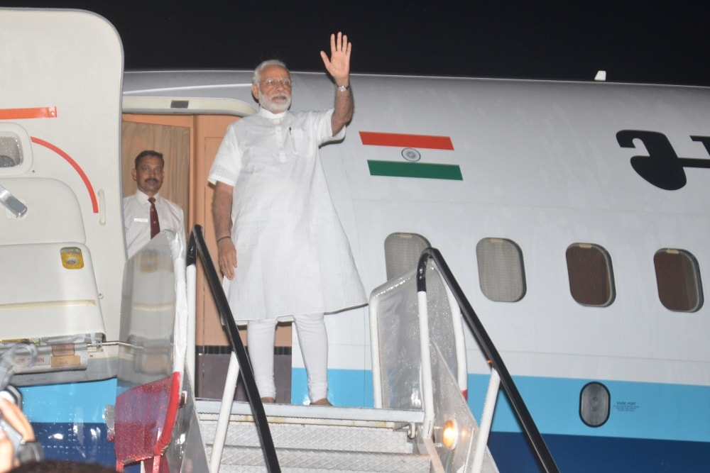 <p>Prime Minister Narendra Modi emplanes for Delhi from Birsa Munda airport in Ranchi on Friday after his Jharkhand visit.</p>