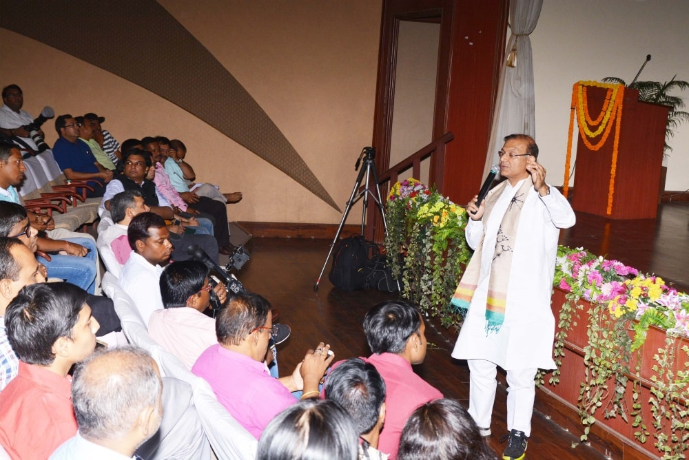 <p>MoS for Civil Aviation Jayant Sinha addressing to students of  IIM Ranchi during a programme at CMPDI in Ranchi on Saturday. </p>