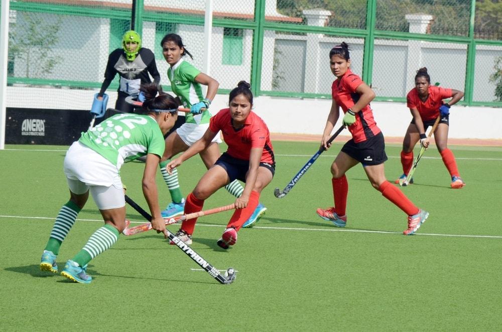 <p>Players in action during their hockey match of Railway Hockey championship at Railway Astroturf &nbsp;Hatia in Ranchi on Saturday.</p>