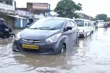 <p>Having faced heavy rains during the past six days,Ranchi can see some clouds with sun shine on Friday, according Met Dept.</p>