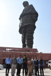 <p>Jharkhand Governor today visited the Statue of Unity in Gujarat, expressed her homage to the first Deputy Prime Minister of India, Iron Man Sardar Vallabh Bhai Patel.</p>