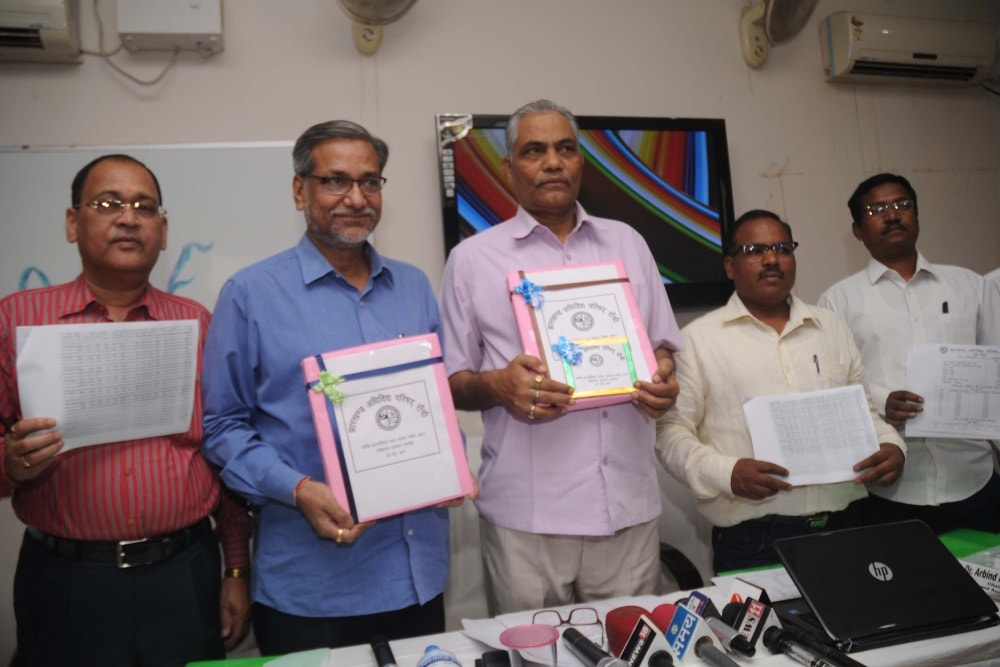 <p>Jharkhand Academic Council (JAC) chairman Arbind Kumar Singh along with JAC Secretary Rajnikant Verma, Examination Controller Dr, SK Singh and others releases Jharkhand Board 12th&#8230;
