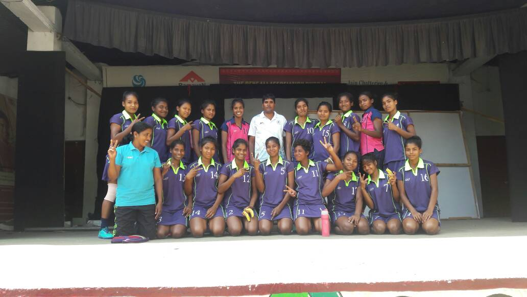 <p>In the 7th Hockey India Junior National Women Hockey Championship in Bhopal,the team of Hockey Jharkhand defeated Hockey Delhi Team and entered Quarter final.</p>