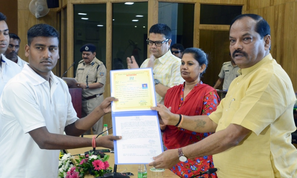 <p>As many as 63 newly appointed and trained Fire Brigade Drivers were handed over appointment letters by Jharkhand Chief Minister Raghubar Das in Ranchi on Thursday</p>
