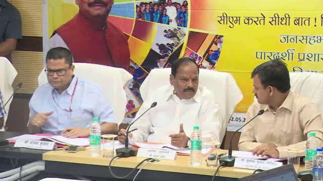 <p>Jharkhand CM Raghubar Das has observed that Dy.SP should inspect every police station and clear pending cases on a daily basis.His observation was recorded during Jan Samvad programme&#8230;