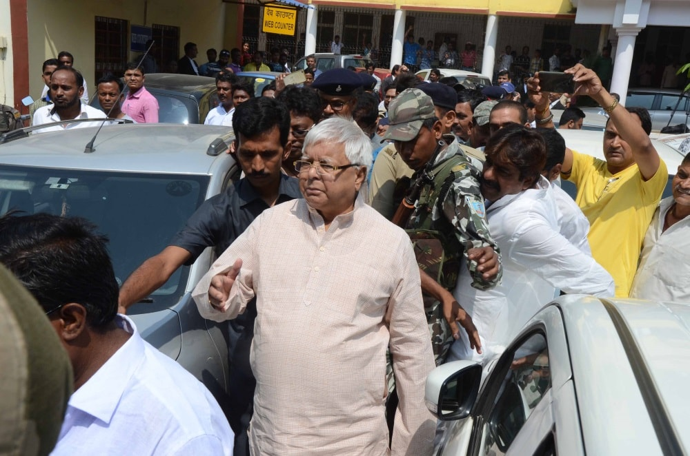 lalu-appears-in-cbi-court-in-fodder-scam-case-in-ranchi