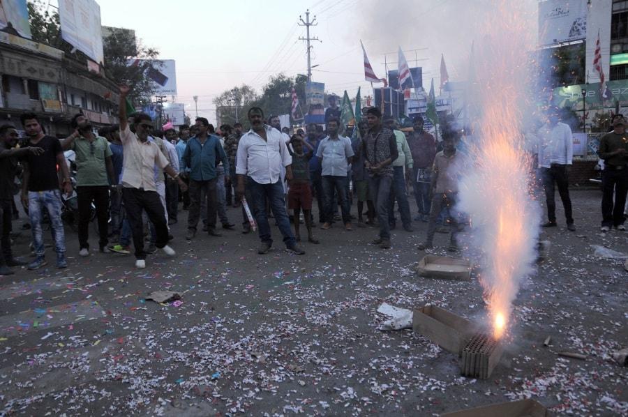 jmm-retains-littipara-assembly-seat-adivasis-burst-crackers-against-ruling-bjp
