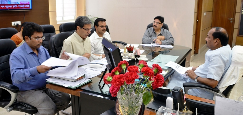 cm-das-tells-officials-to-shore-up-revenue-collection