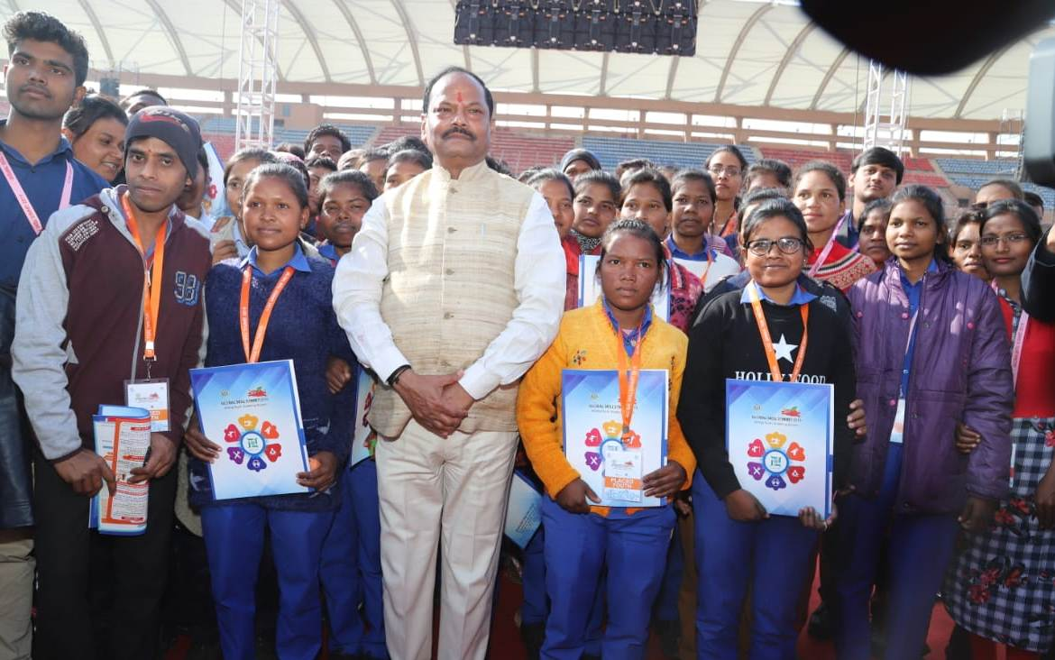 1-lakh-youth-get-jobs-in-private-sector-in-jharkhand