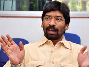 JMM leaders leave Hemant in the lurch