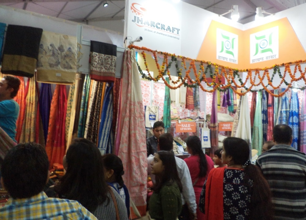 jharkhand-s-tussar-silk-sarees-a-major-hit-at-the-ongoing-iitf-2017