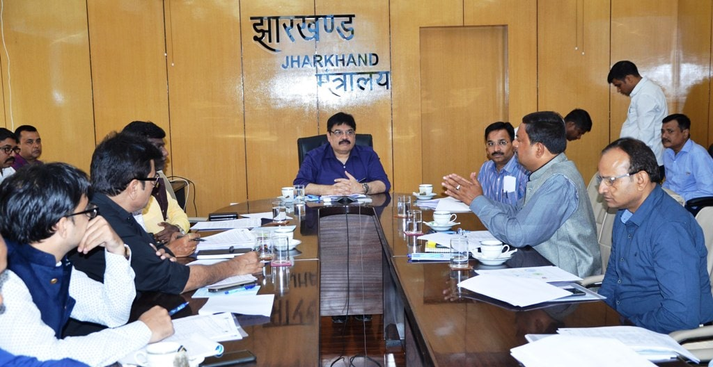 cs-tripathi-emphasizes-on-the-marketing-of-items-of-small-and-cottage-industries